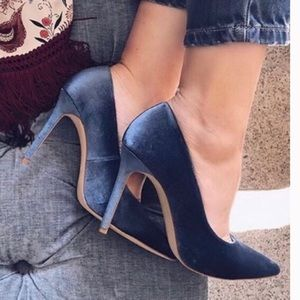 Zara peacock blue velvet pumps sz 37 bloggers fav
